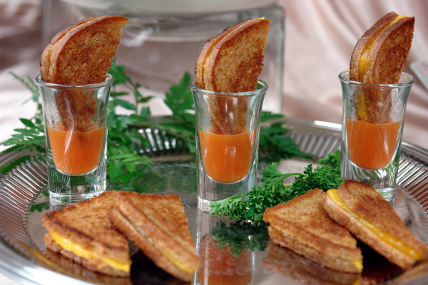 Grilled Cheese with Tomato Soup Appetizer.  Milwaukee area wedding venues.